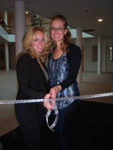 Links Leonie Robben-Aalders (Hair by Leo) rechts Nancy Aalders (Feminin Nails)